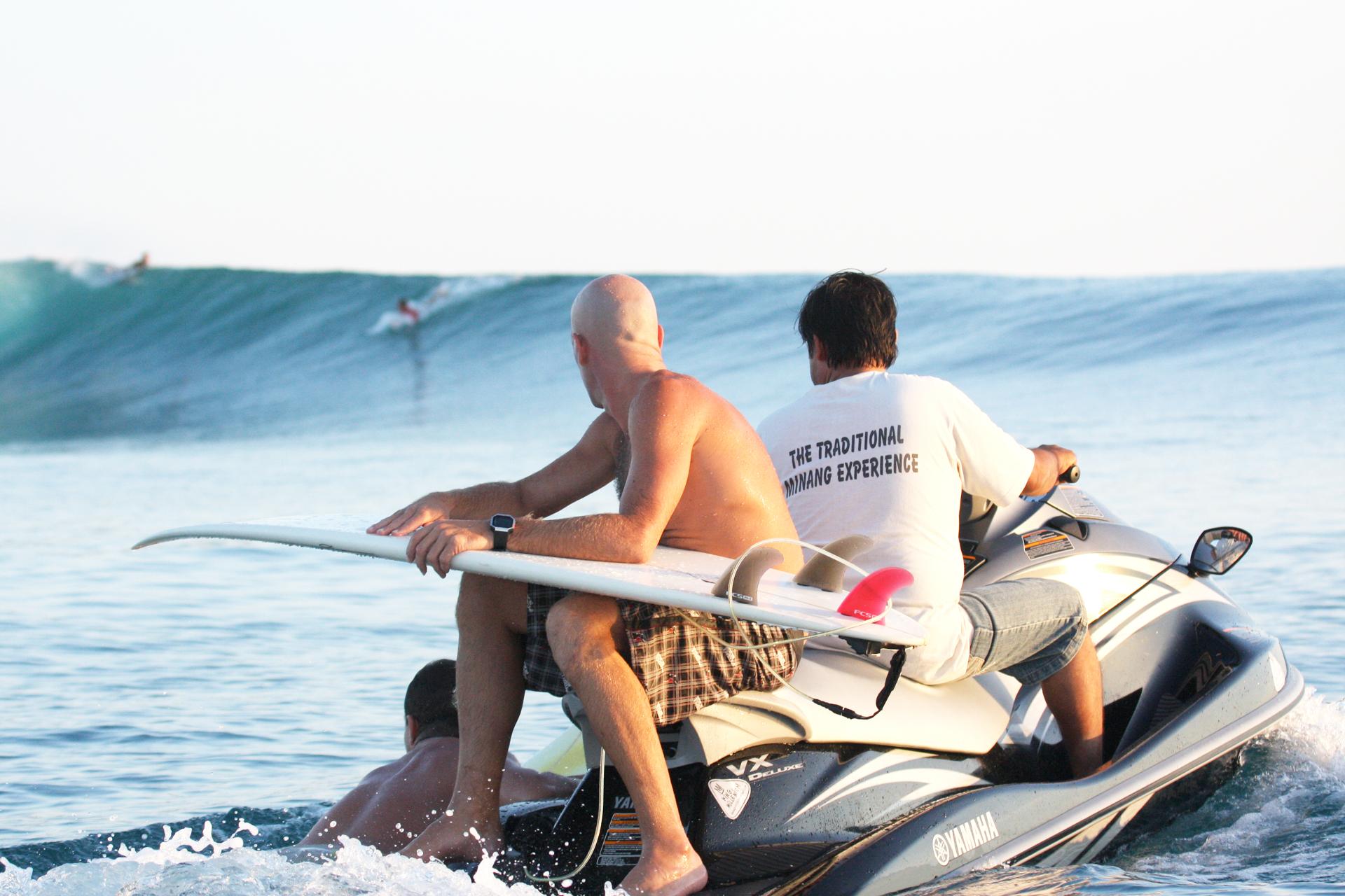 surfing_mentawai