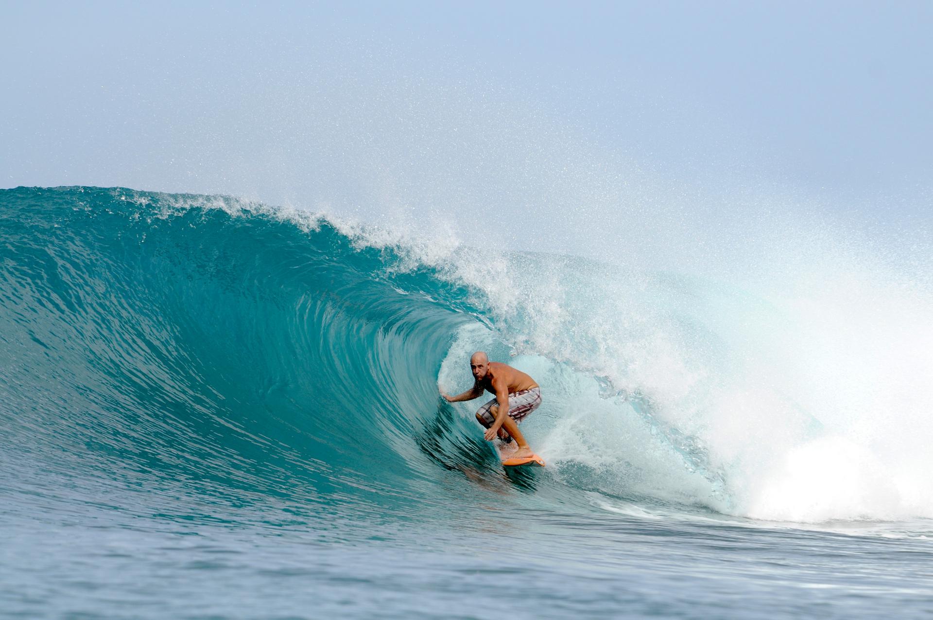 Surfing mentawai contacto